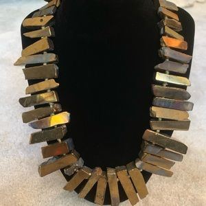Jewelry - Fabulous Stone Necklace in Metallic Gold